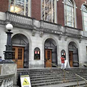Photo of Multnomah County Central Library in Portland