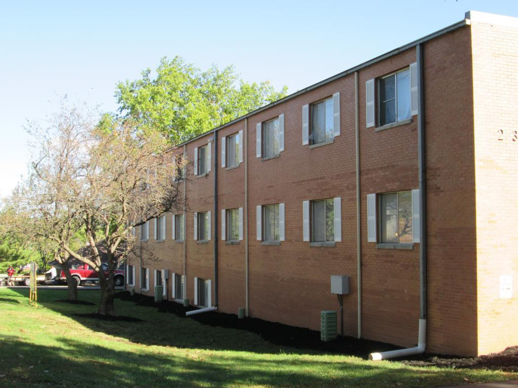 Campus View Apartments Photo 1