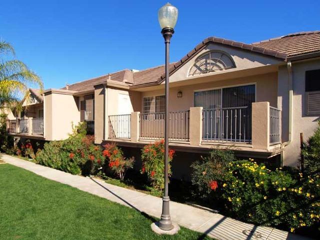 Cypress Villas Apartments photo #1