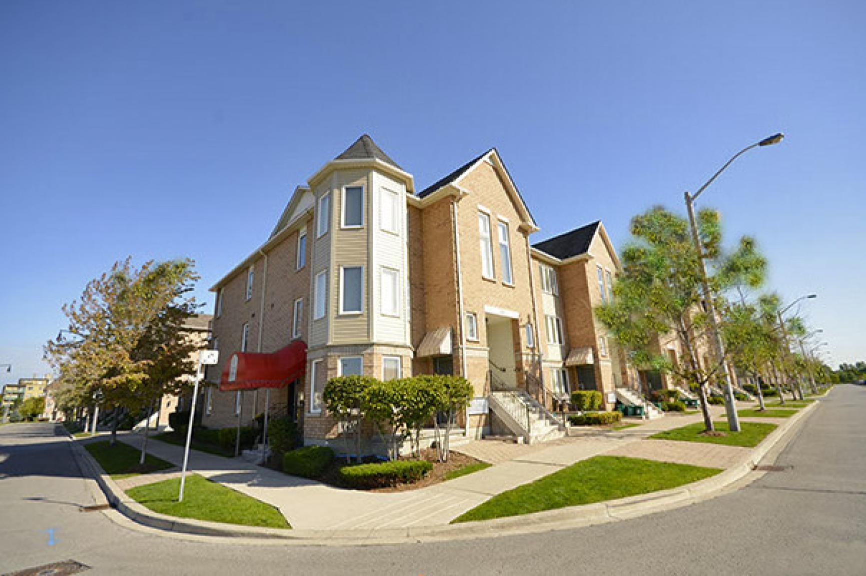 Hyde Park in Leaside Apartments photo #1