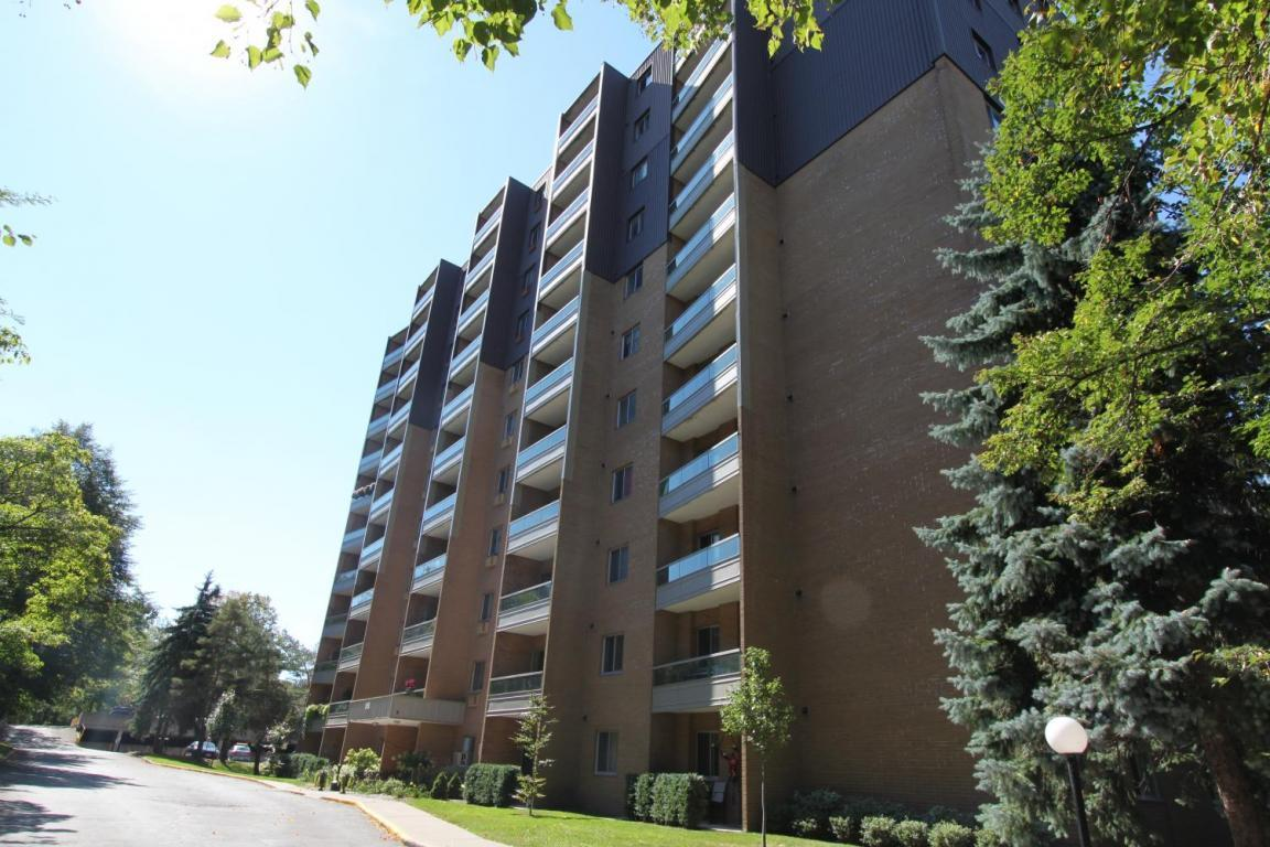 Oxford Park Towers photo #1