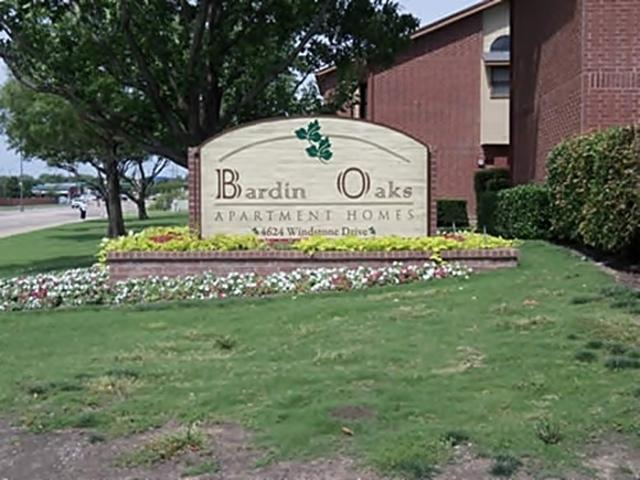 Bardin Oaks Apartments photo #1