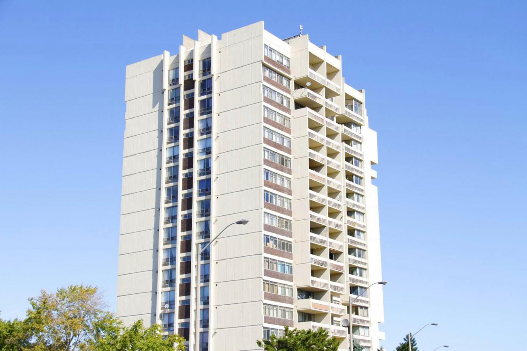 Premier Court Apartments photo #1