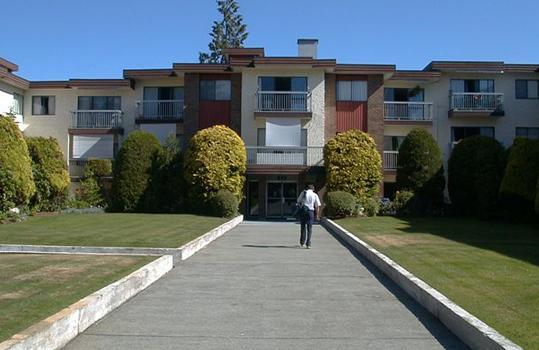 Kent Place Apartments photo #1
