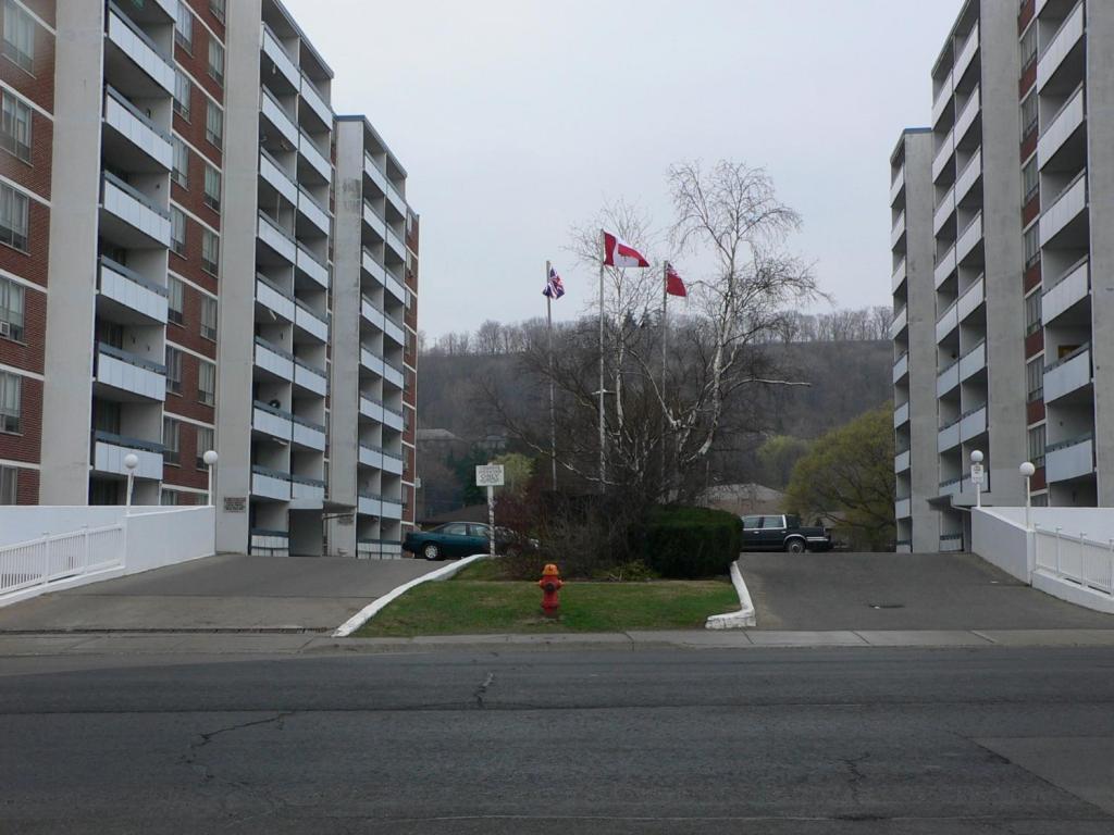 Elizabeth Apartments photo #1