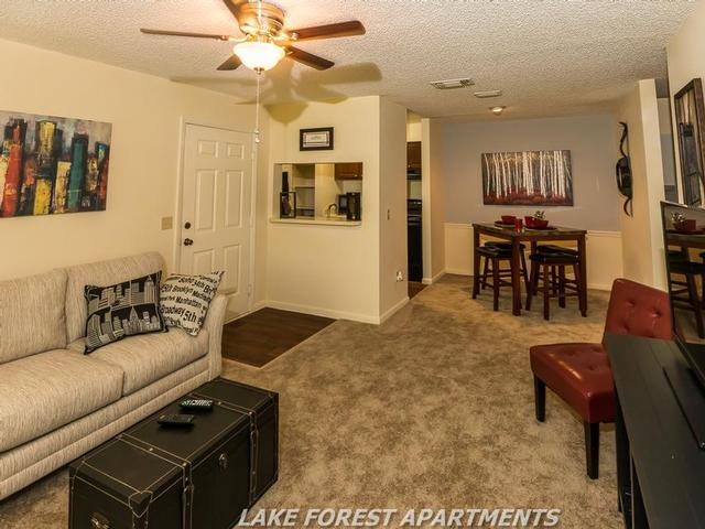 Lake Forest Apartments photo #1