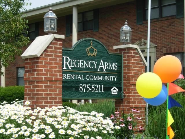 Regency Arms Apartments photo #1