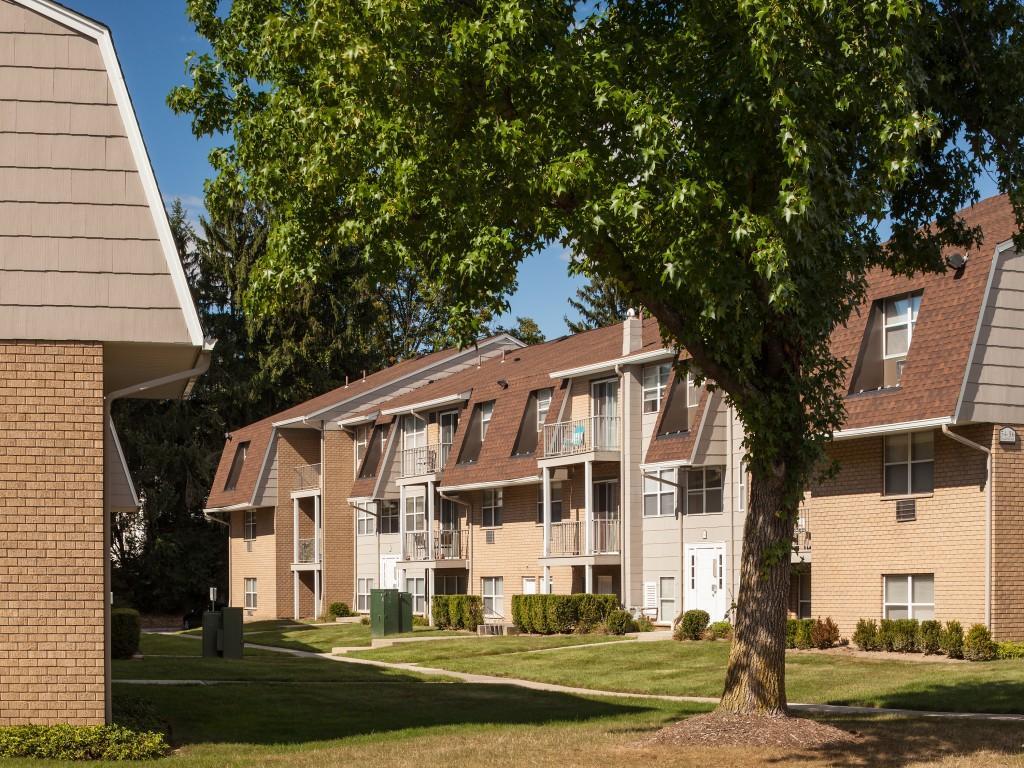 Sutton Hill Apartments photo #1