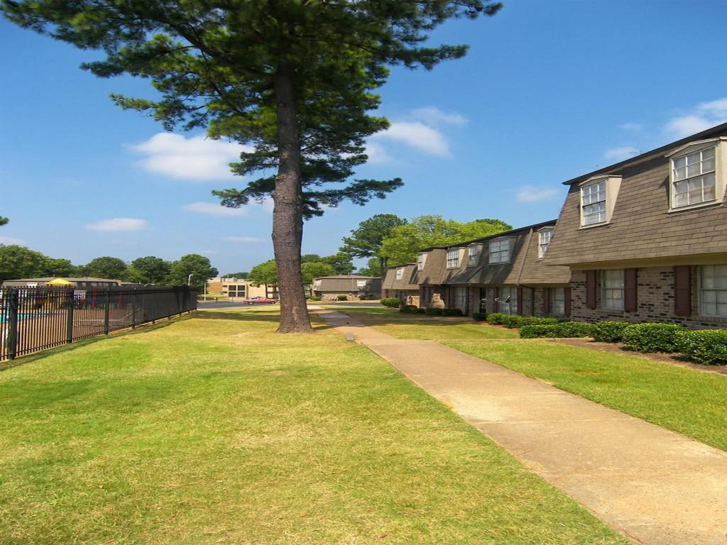 Ashton Hills Apartments Memphis Tn