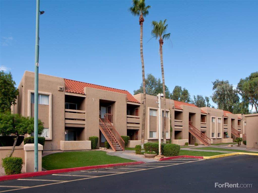 Penny Lane Apartments photo #1