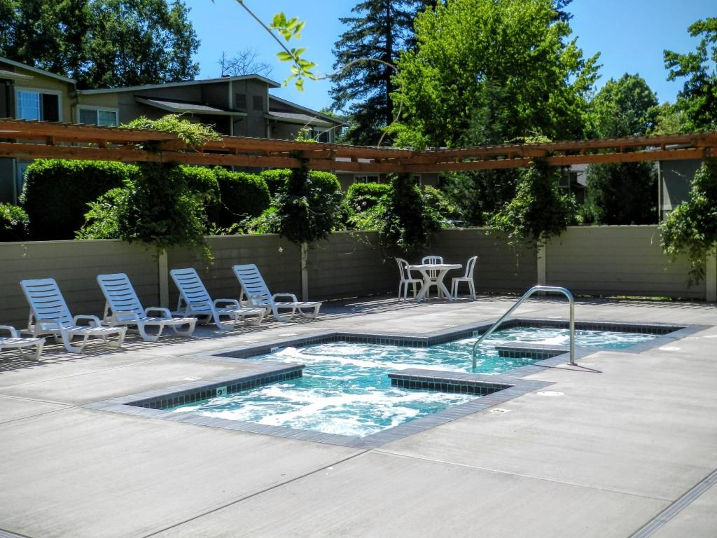 Commons At Timber Creek In Cedar Mill Apartments Portland Or Walk Score