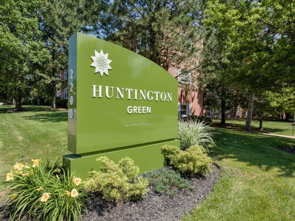 Huntington Green Apartments photo #1