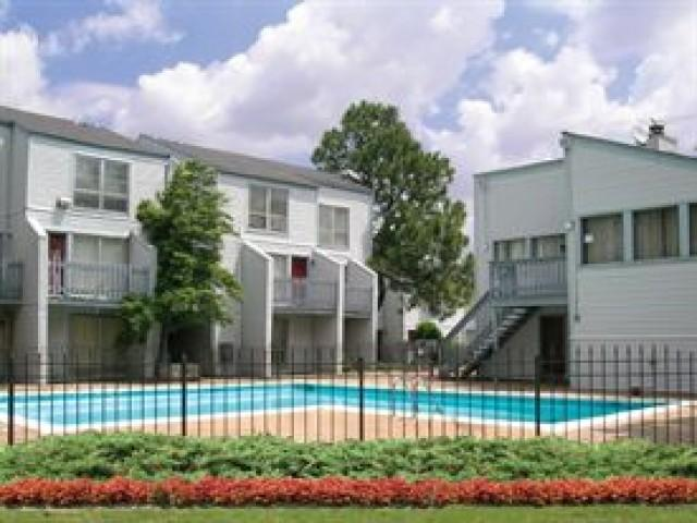 Sterling Townhomes Apartments photo #1