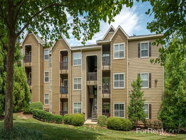 Waterford Forest Apartments photo #1