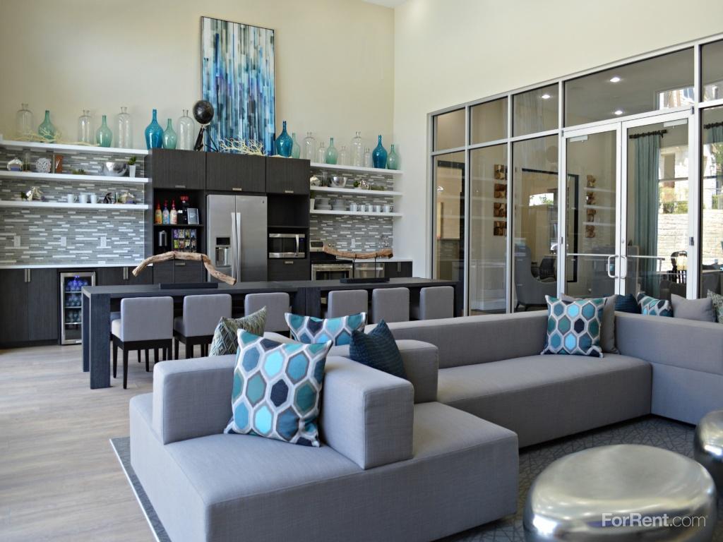 Laurel Canyon Apartments photo #1