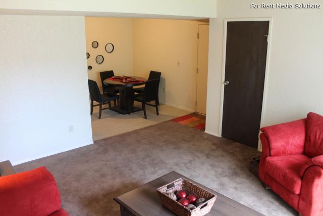 Bryant Manor Apartments photo #1