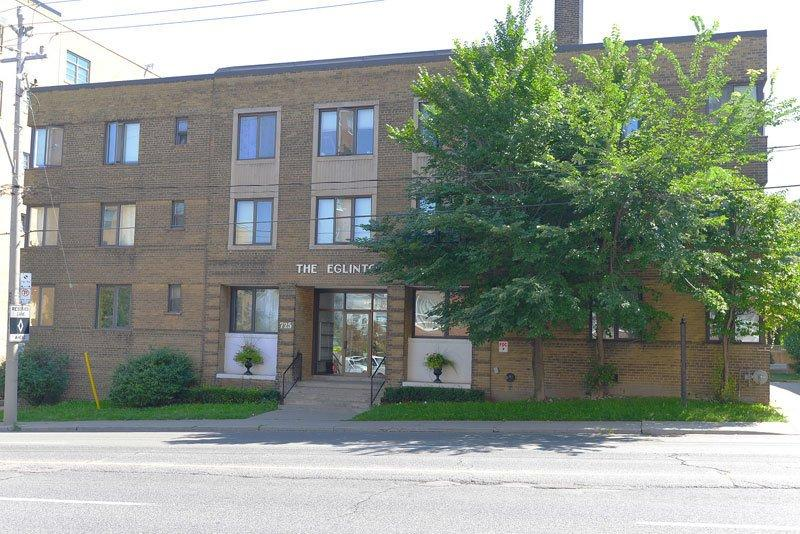 117 Old Forest Hill Road & 725 Eglinton Avenue West Apartments photo #1
