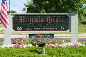 1085 Royale Glen Dr photo #1
