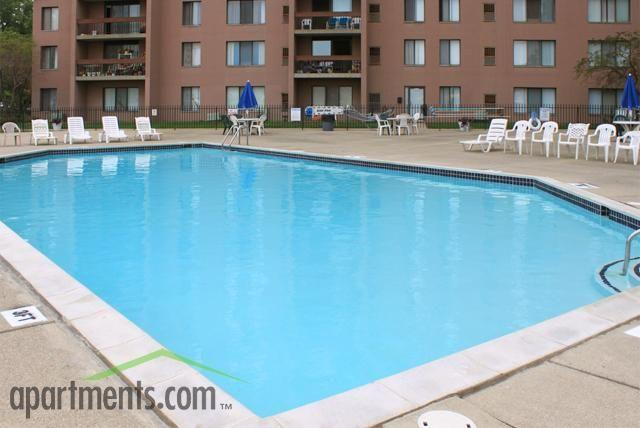 Lincoln Towers Apartments photo #1