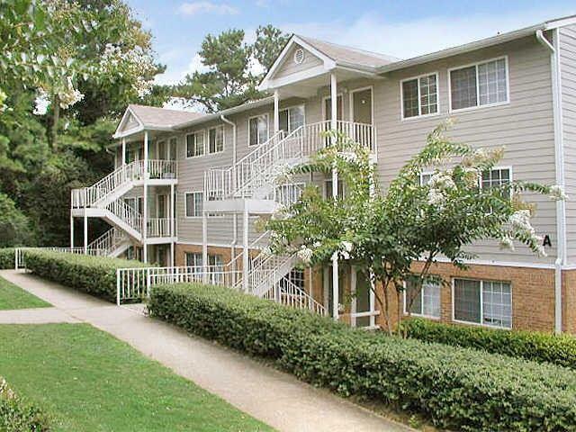 Regal Pointe Apartments, Morrow GA - Walk Score