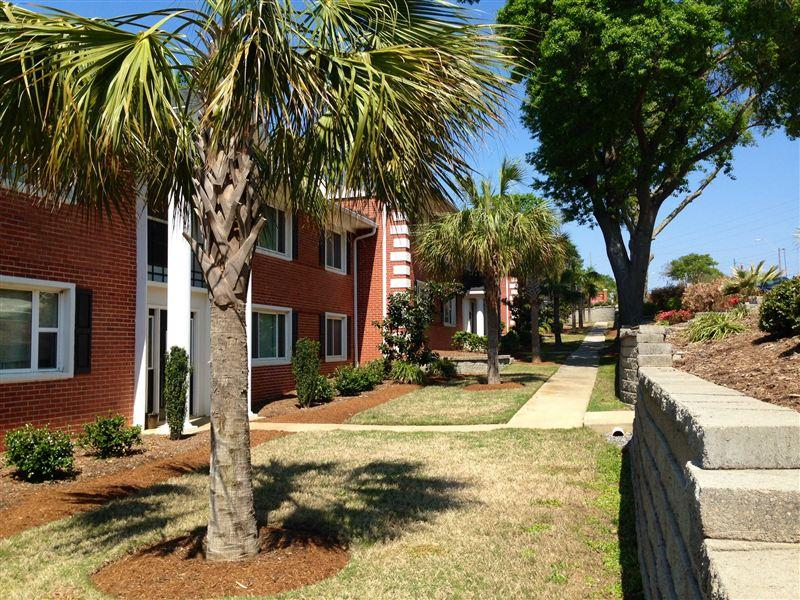 Royal Palms Luxury Apartments photo #1