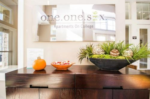 One One Six Apartments photo #1