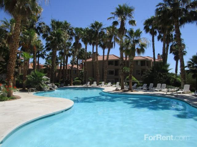 Green Valley Country Club Apartments photo #1