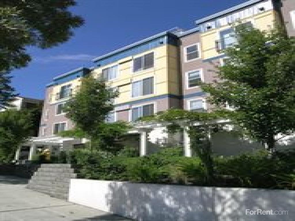 Sir Gallahad Apartments photo #1
