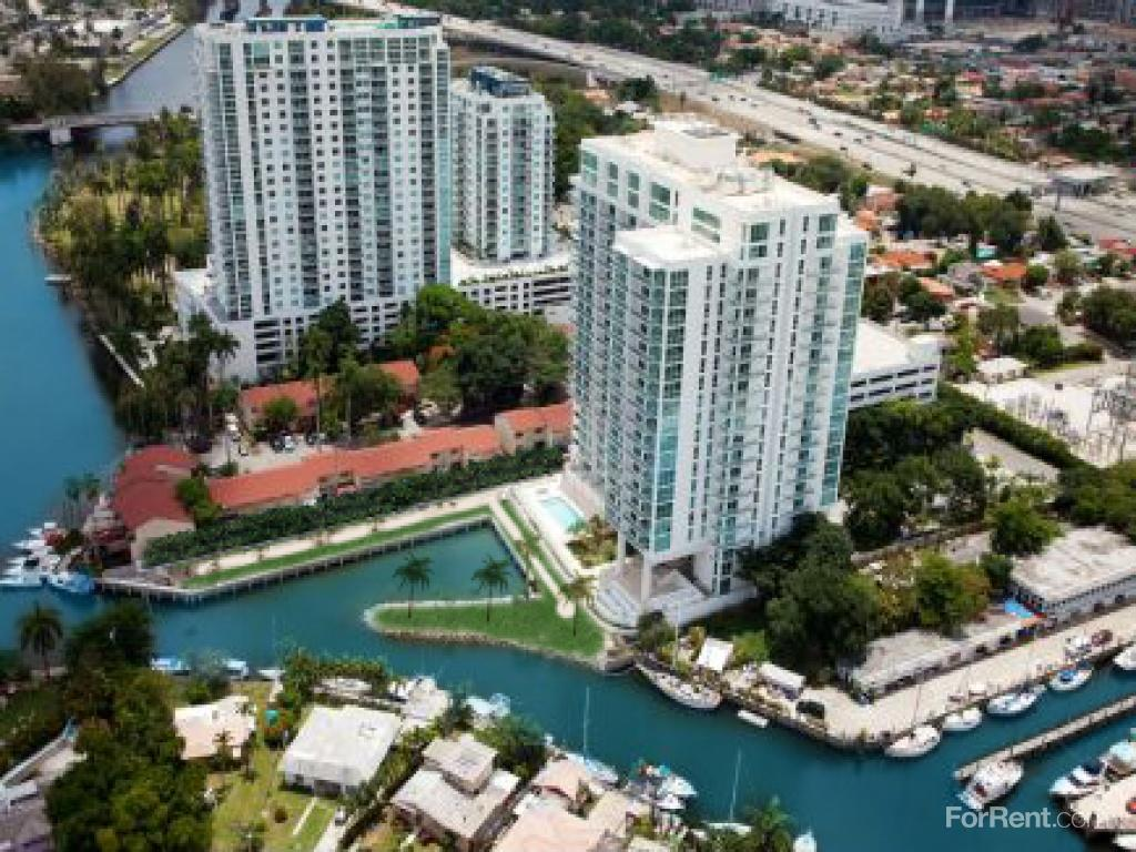River Oaks Marina and Tower Apartments photo #1