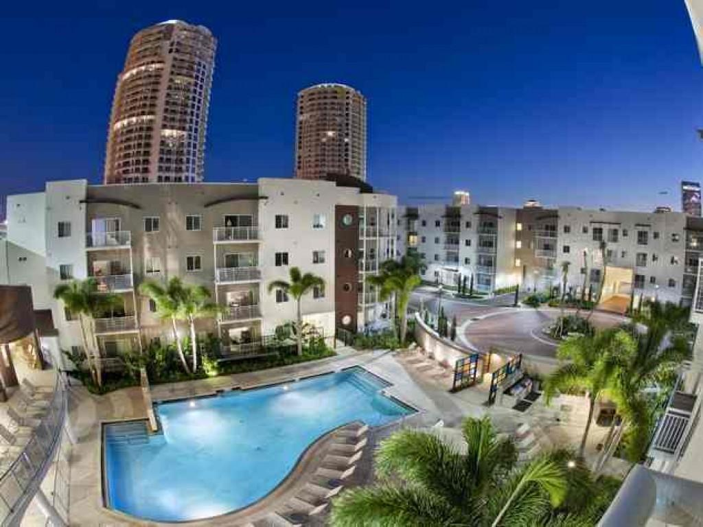 Pierhouse at channelside apartments tampa fl walk score for 4 bedroom apartments in tampa fl