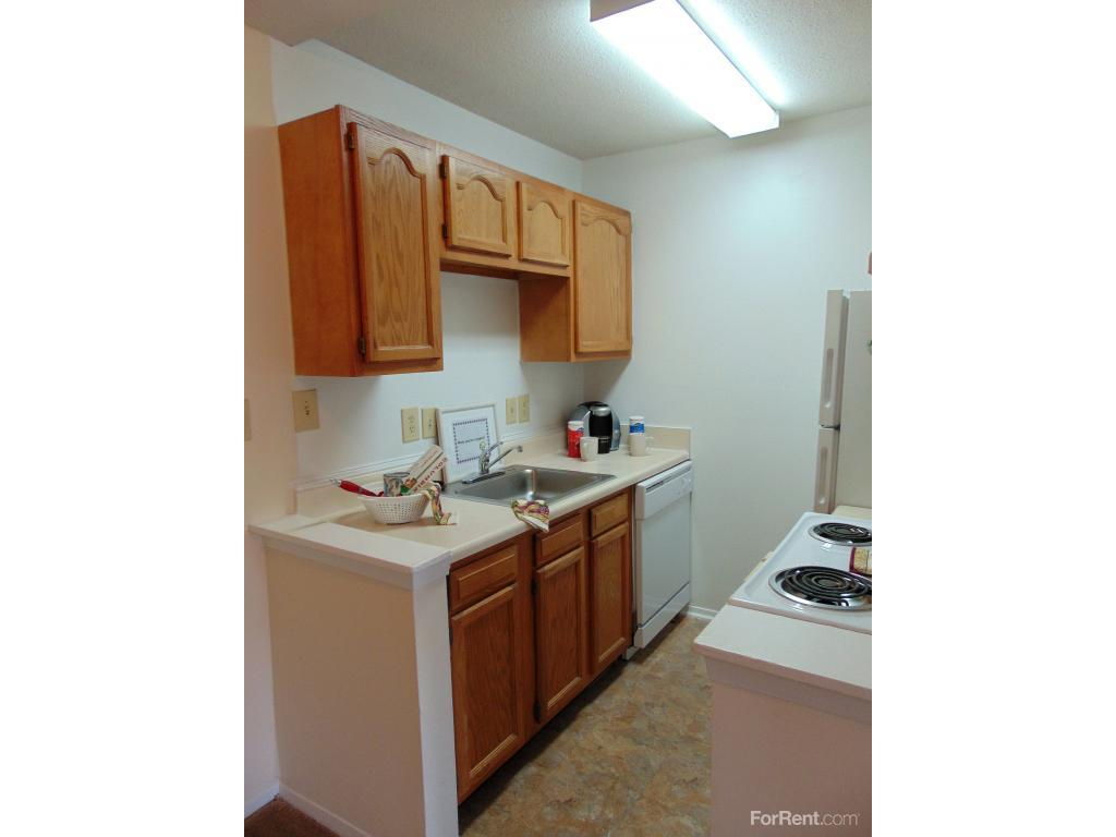 apartments ranges from 595 for a one bedroom to a 765 two bedroom