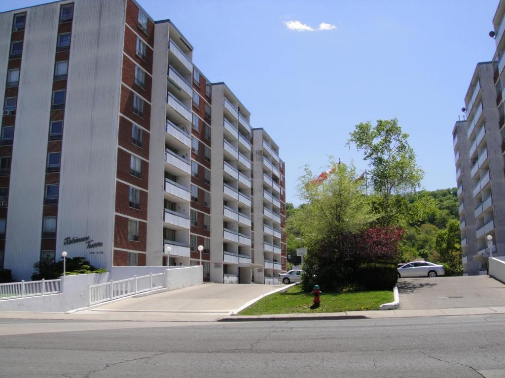 Robinson Towers Apartments photo #1