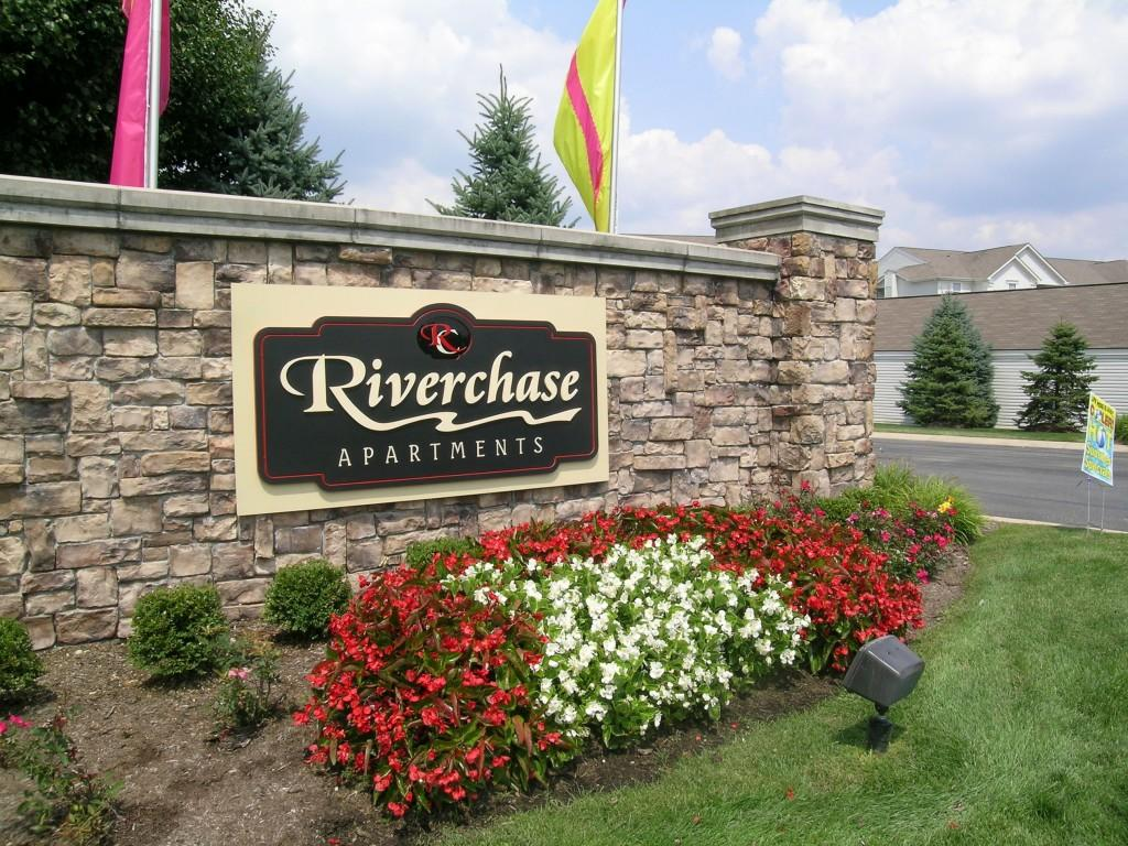 Riverchase Apartments photo #1