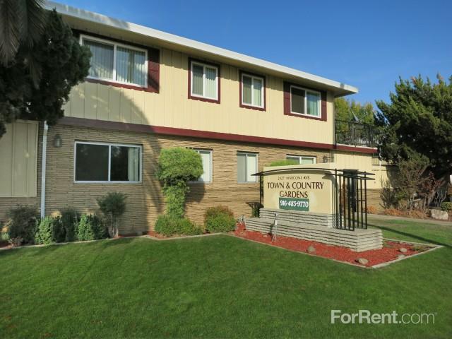 2927 Marconi Avenue Apartments photo #1