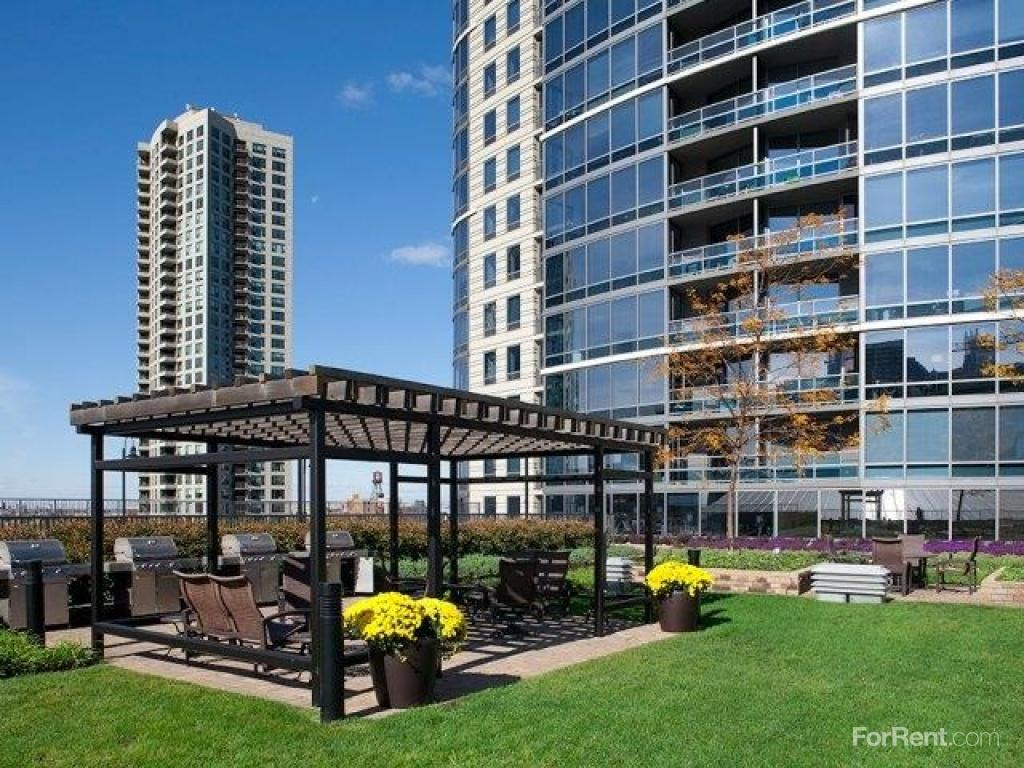 Kingsbury Plaza Apartments Chicago Il Walk Score