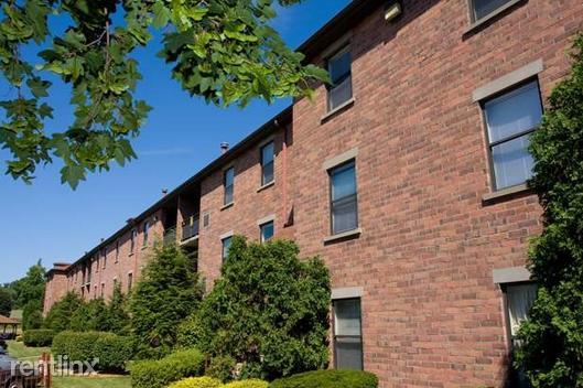 Davison Square Apartments