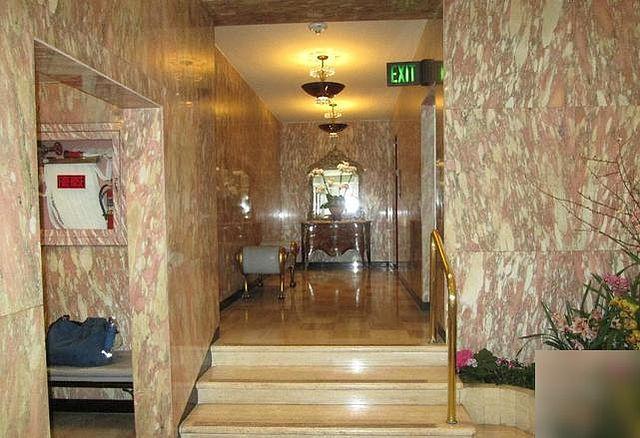 Townhouse at San Francisco Apartments photo #1