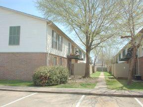 $895 / Two BR - 920ft² - Excellent Unique!! Check this out!! Apartments photo #1