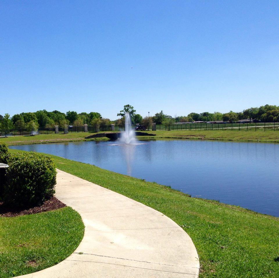 Ivy Hill Apartments: Mansions At Ivy Lake Apartments, Gonzales LA