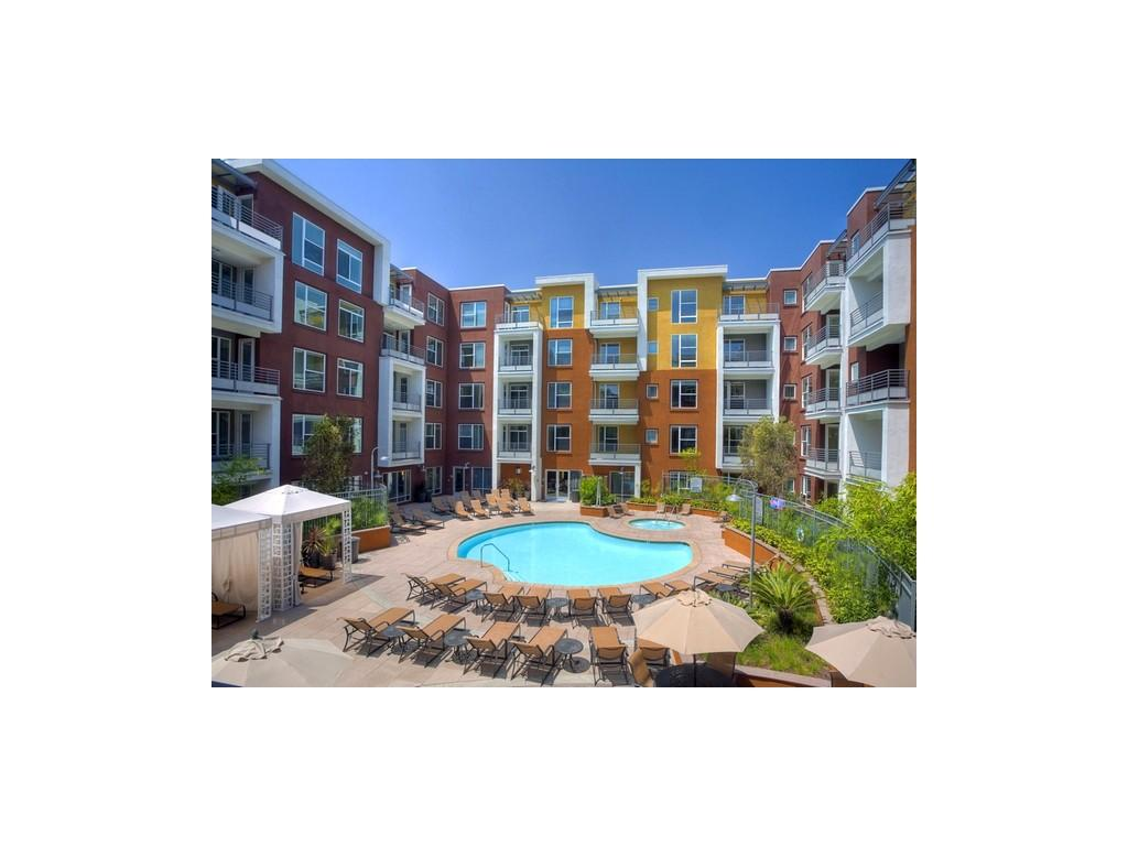 Avalon Anaheim Stadium Apartments, Anaheim CA - Walk Score