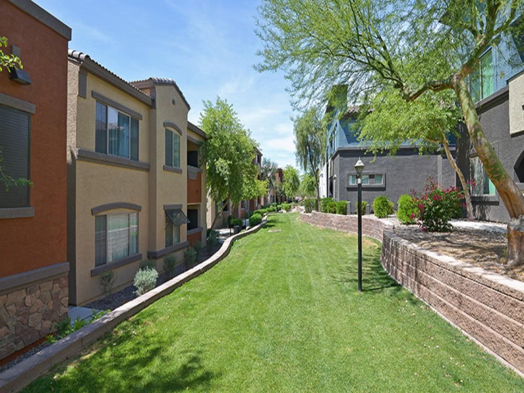 3800 Lux Apartment Homes Apartments Avondale Az Walk Score