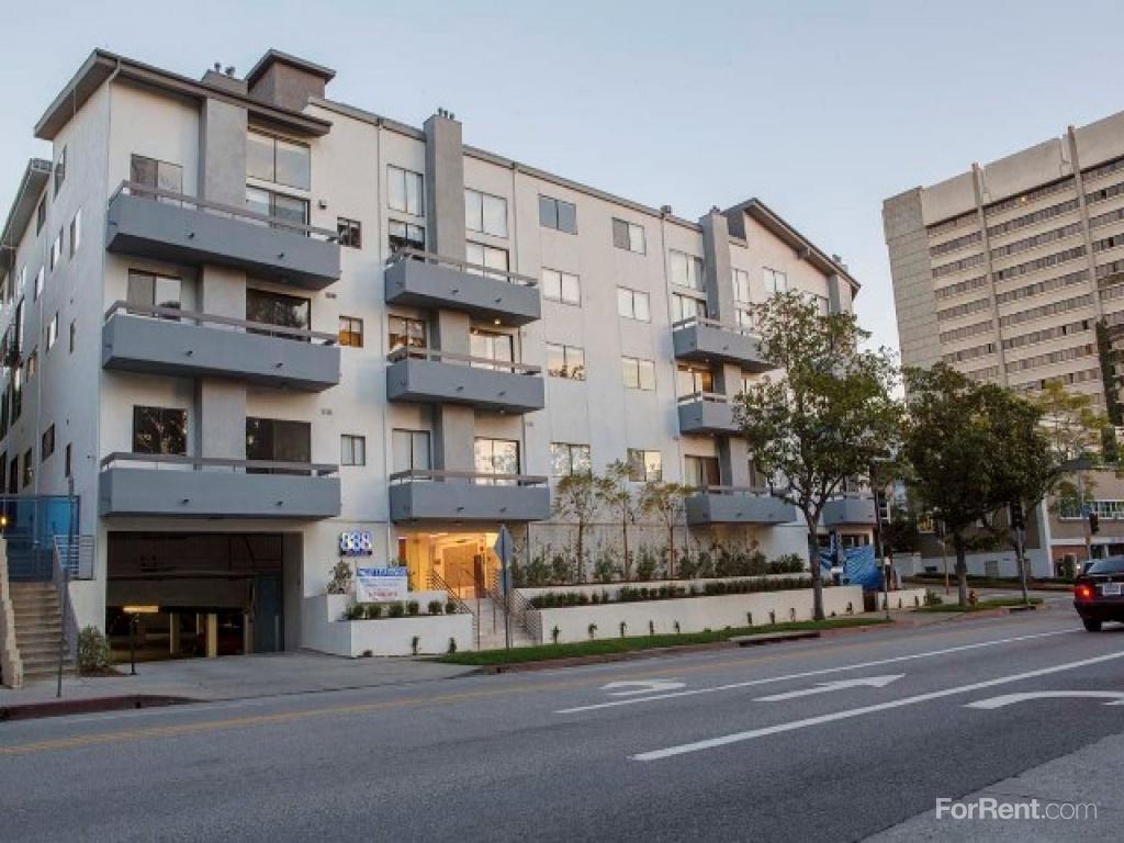 888 Hilgard Apartments photo #1