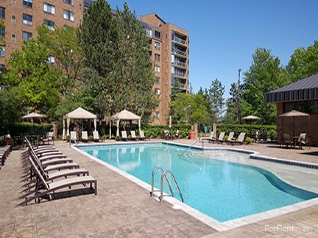 Four Seasons Apartments photo #1
