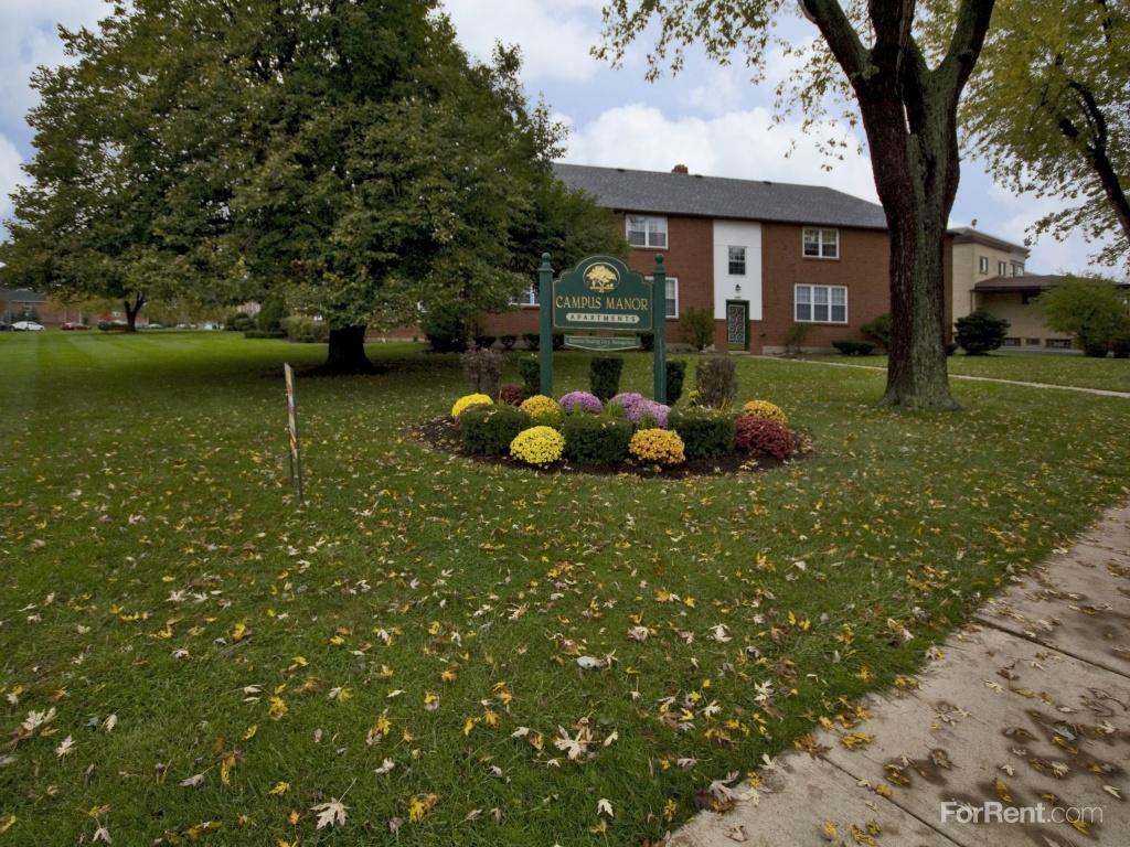 Campus Manor Apartments photo #1