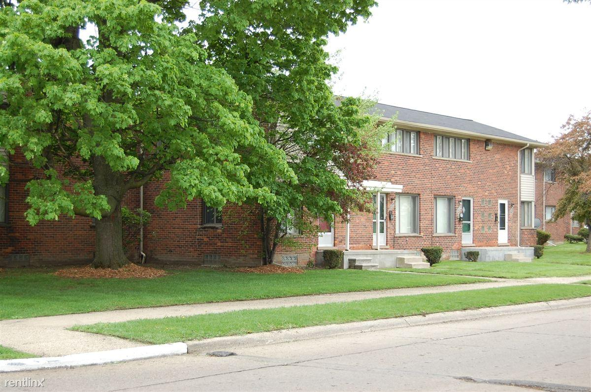 2 Bedroom Apartments In Detroit Infinity Park Apartments And Townhomes Detroit Mi Walk