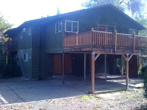 1512 Riverview photo #1