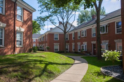 East Brook Village Apartments photo #1