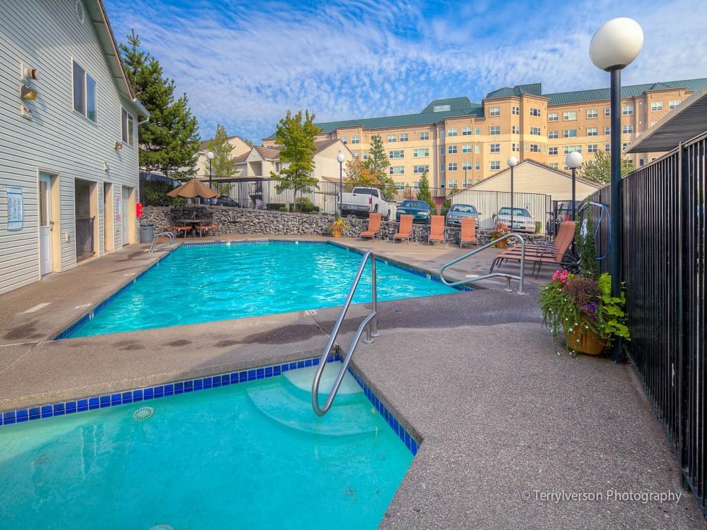 Twin Creeks Apartments photo #1