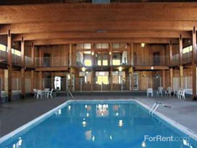 White Bear Royal Apartments photo #1