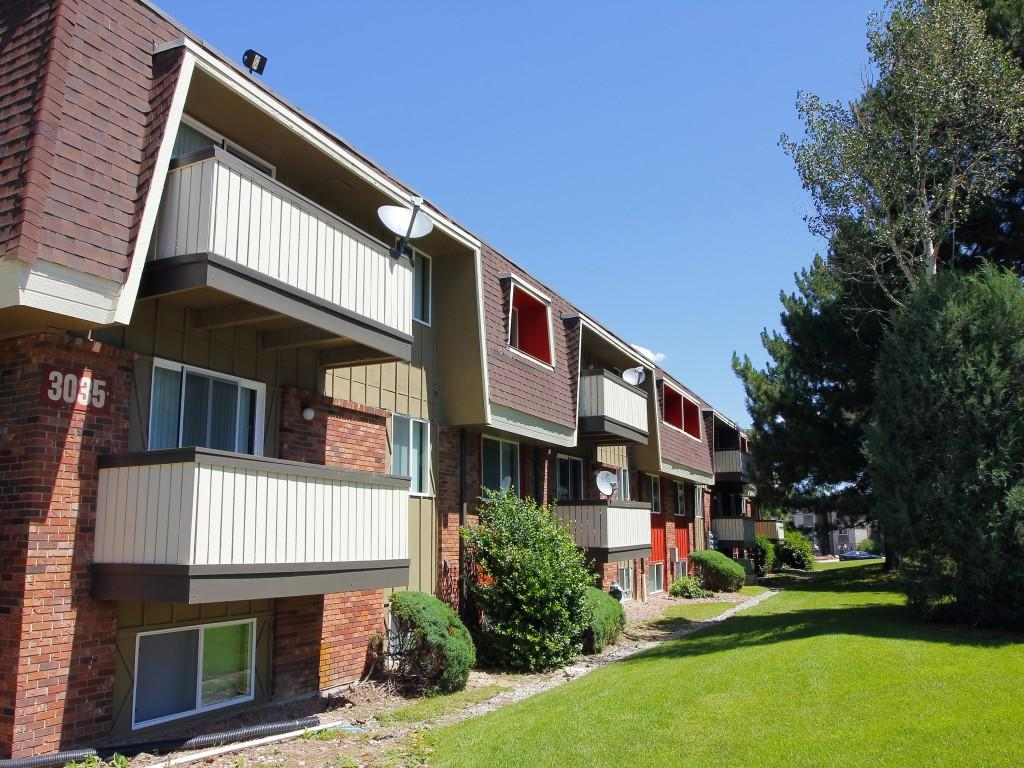 Whispering Pines Apartments Colorado Springs
